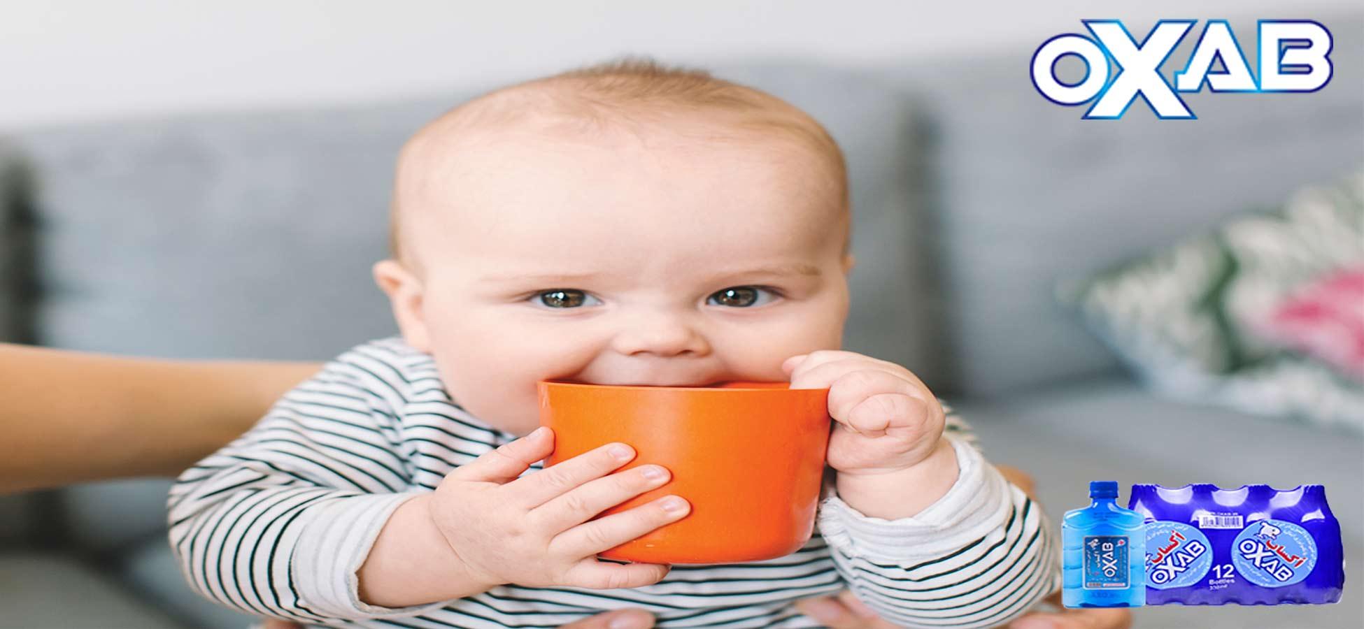 خرید آب . آیا نوزادان میتوانند از آب معدنی استفاده کنند؟